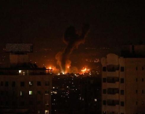 """جيش الاحتلال الإسرائيلي يقصف مواقع لـ""""حماس"""" بقطاع غزة"""