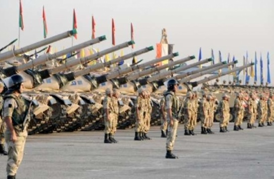 """مخاوف إسرائيلية من سقوط سلاح مصر في أيد """"معادية"""""""