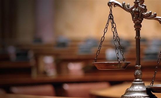 محامية تطلب حكم المؤبد بحق شقيقها!