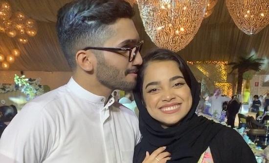 مشاعل الشحي تحرج زوجها بعدما حاول تقبيلها في مكان عام.. شاهدوا ردّ فعلها!