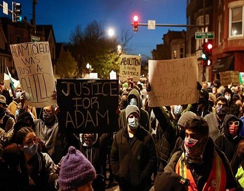 احتجاجات في شيكاغو إثر مقتل فتى برصاص الشرطة (شاهد)