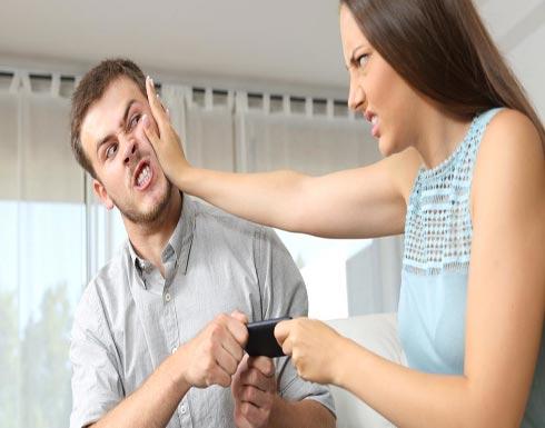 احذري.. الهواتف الذكية تؤثر على العلاقة الحميمة!