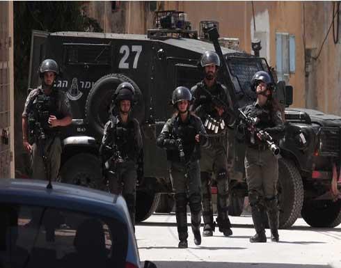 شاهد : إصابة فلسطينيين بمواجهات مع فوات الإحتلال في بلدة سلوان بالقدس