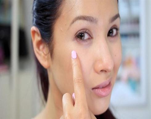 """علامات على الوجه تشير إلى نقص فيتامين """"B12"""""""