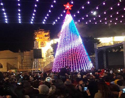 شاهد : حفل إضاءة شجرة الميلاد من ساحة المهد - مدينة بيت لحم
