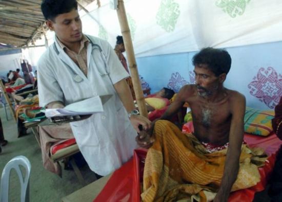 القضاء يأمر الأطباء بالكتابة بخط واضح في بنغلادش