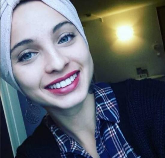 """هذا ما قالته السورية التي سحرت """"ذا فويس فرنسا"""" عن حجابها"""
