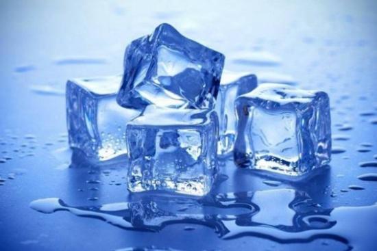 مكعبات الثلج لخسارة الوزن.. إكتشفوا هذه الطريقة السهلة والفعالة