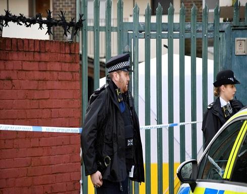 الشرطة البريطانية تعتقل شخصا بعد معلومات عن طرد مشبوه قرب المقر الرسمي للملكة في إدنبرة