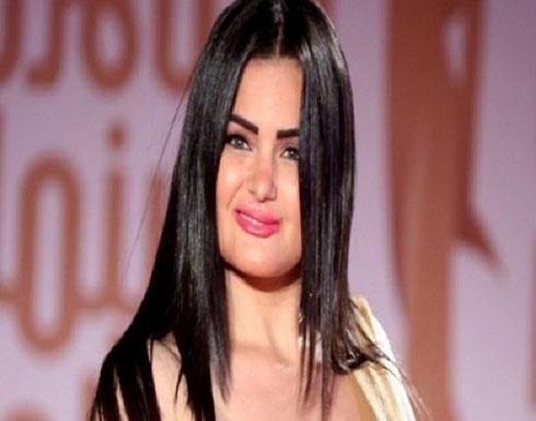 سما المصري تبرر مشاركتها بمسيرة للمثليين: (فرح بأه!!)
