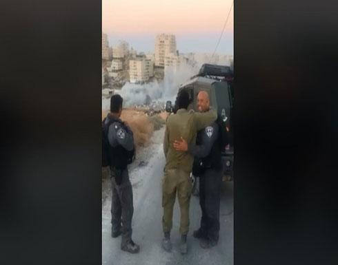 شاهد : إسرائيليون يهنئون بعضهم بتفجير بيوت الفلسطينيين