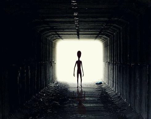 """""""الكائنات الفضائية"""" تعود... """"إف بي آي"""" يغلق مرصدا فضائيا شهيرا ويبعد موظفيه"""