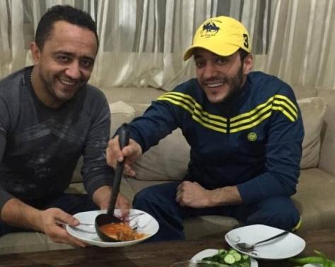 بالصور - تعرفوا للمرة الأولى إلى والدي علي وحسين الديك!