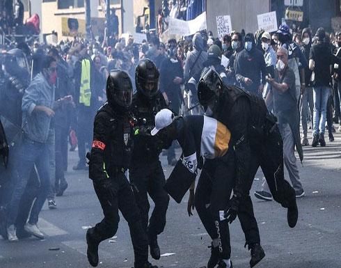 تظاهرات ضخمة بباريس.. الشرطة تطلق قنابل الغاز وتعتقل 12