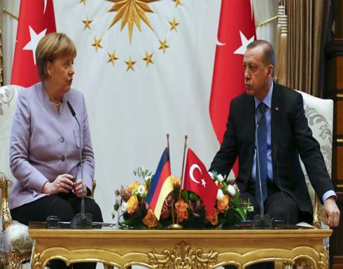 ميركل وأردوغان يبحثان الإرهاب والانقلاب والتعديل الدستوري