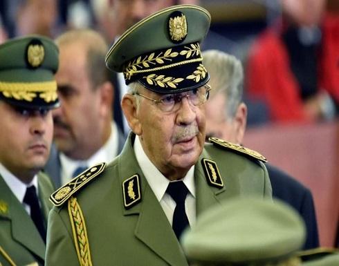 الجزائر: هذه قصة نفي وزارة الدفاع فرار لواء إلى أوروبا.. ما علاقة قايد صالح؟- (صور وفيديوهات)