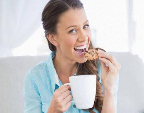 حيل سهلة تمنع زيادة وزنك بعد أكل السكّر... يمكنك تطبيقها يومياً