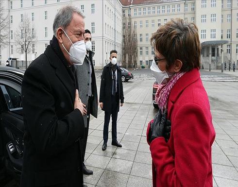 برلين.. أكار يبحث مع نظيرته الألمانية قضايا الأمن والدفاع