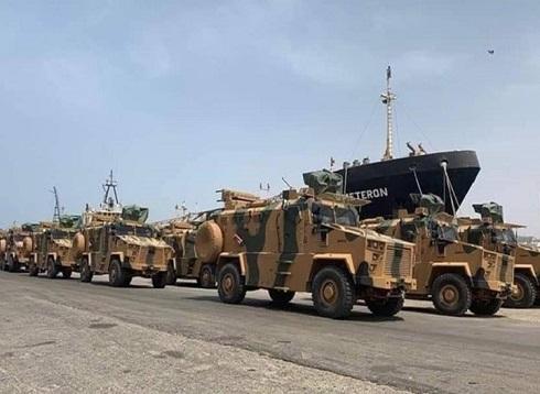 مدرعات تركية تصل ليبيا لصد هجوم حفتر على طرابس (شاهد)