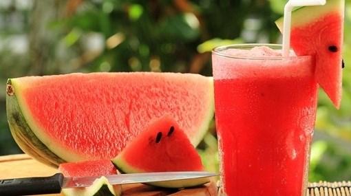 5 فوائد مذهلة لتناول عصير البطيخ قبل النوم