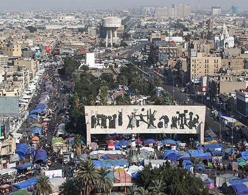 شاهد : اعتقال ناشط عراقي في الحلة والمتظاهرون يتدخلون