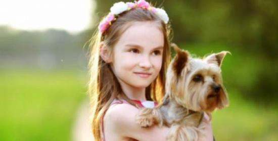 وجود كلب في البيت يفيد طفلكِ صحياً ومعنوياً!