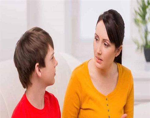 تجنّبي هذه الأخطاء خلال حديثكِ مع ابنك المراهق!