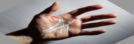ماذا يعني وجود حرف M علي راحة يديك ؟ إكتشف المعني