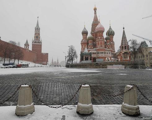 روسيا تستدعي سفير بولندا وتطرد 5 من العاملين بالسفارة