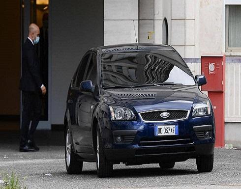 البابا يغادر المستشفى بعد عملية جراحية
