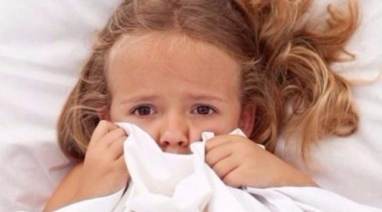 كيف يساعد الآباء أطفالهم في التأقلم مع الكوابيس؟