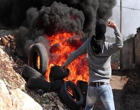 بالصور : الجيش الإسرائيلي يُصيب 28 فلسطينيا بالرصاص قرب حدود غزة