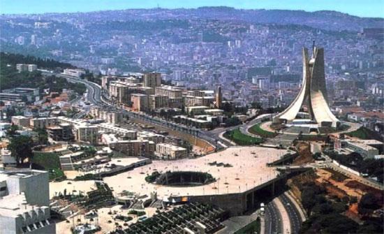 100 رجل أعمال لإقناع الشركات الأردنية بالاستثمار في الجزائر