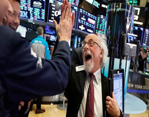 صعود الأسهم الأميركية مع محاولة ترمب تهدئة حرب التجارة