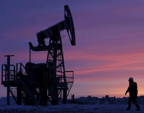 النفط يرتفع مع اقتراب عقوبات إيران وأمريكا تتطلع لمنع نقص الإمدادات