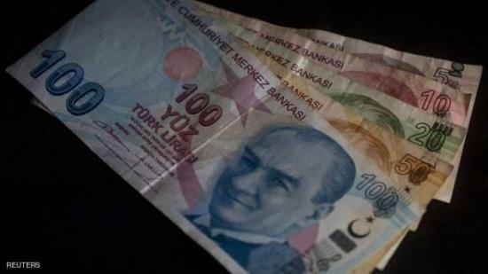 موديز تخفض تصنيفات تركيا مجددا.. والليرة تهبط
