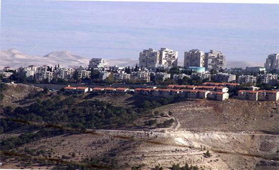 ليبرمان يوعز ببناء 400 وحدة استيطانية شرق رام الله