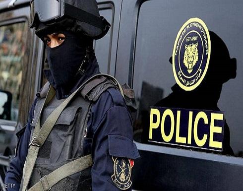 قتل طفليه بسبب مصروفات المدرسة في مصر