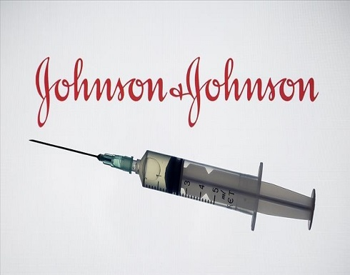 مستشارو مراكز مكافحة الأمراض الأمريكية يوصون باستئناف التطعيم بلقاح جونسون آند جونسون
