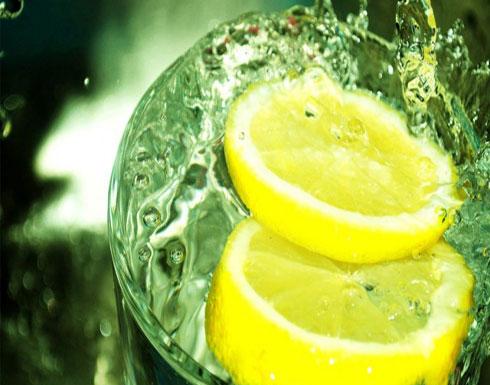 جرّبي حيلة الليمون لإزالة رائحة العرق نهائياً!