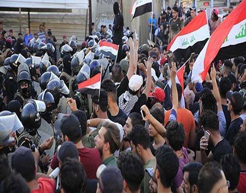 بالفيديو : محتجون عراقيون يغلقون معبرا بريا مع إيران وحقلا للنفط