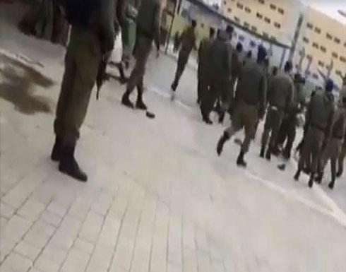 إصابة 11 جنديا إسرائيليا بشجار في قاعدة عسكرية (فيديو)
