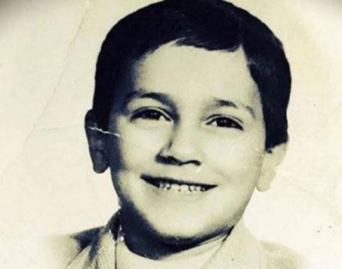 """بالصور - خمنّوا هذا الطفل أي نجم عربي وسيم أصبح...لعب دور مهم في """"باب الحارة"""""""