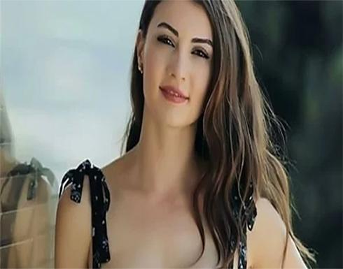 الممثلة التركية بورجو أوزبيرك تعلن رغبتها في الإنجاب بدون زواج