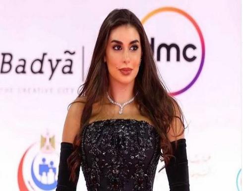 شاهد: ياسمين صبري تتلقى الزواج من متابع لها والجمهور يسخر
