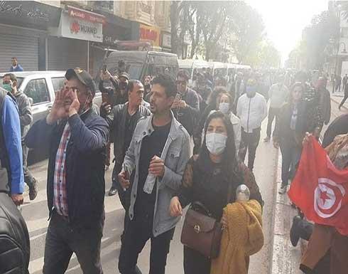 تجدد الاحتجاجات بتونس العاصمة إثر وفاة شاب أوقفه الأمن
