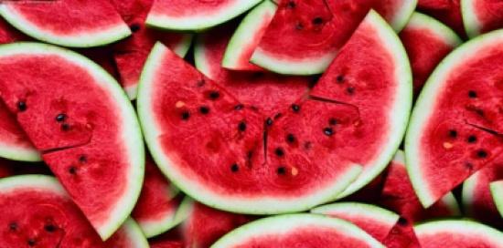 تعرف على فوائد بذور البطيخ المذهلة للجسم