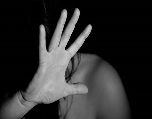 السجن 15 عامًا لأب مصري اعتدى على ابنته القاصر .. تفاصيل