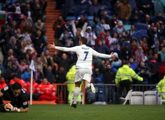 بالفيديو: ريال مدريد يتفادى المفاجآت ويعزز صدارته بالفوز