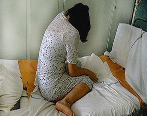 قتل ابنته وعشيقها بعد أن ضبطها في أحضانه على السرير
